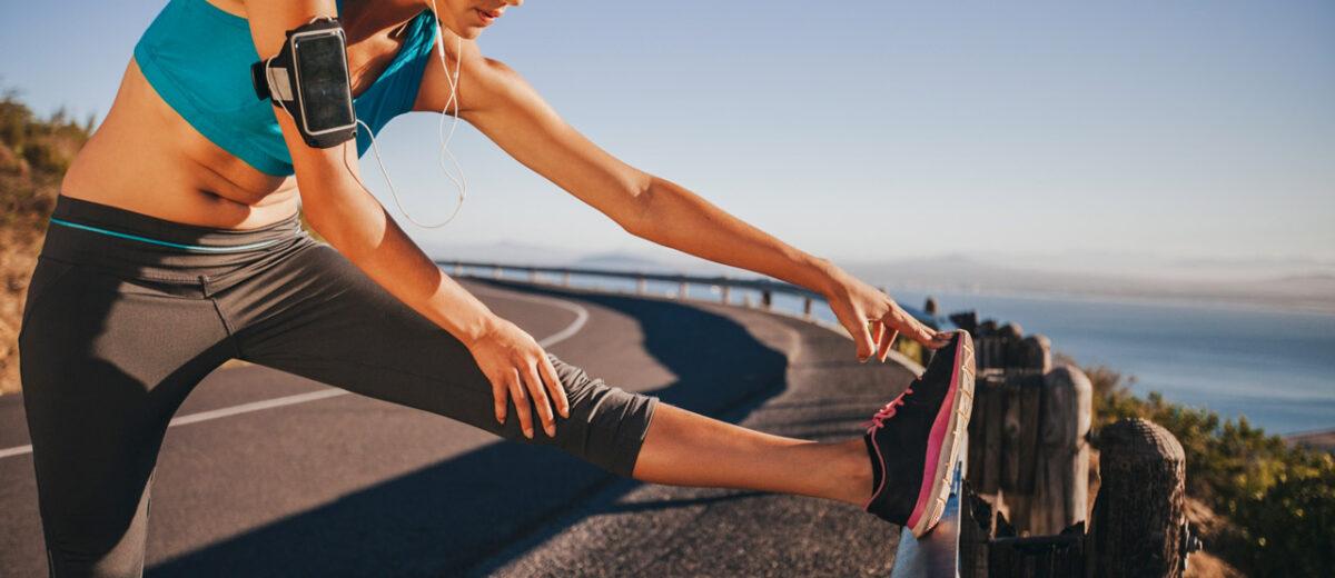 Impacto del estiramiento en el rendimiento y riesgo de lesiones de los corredores de larga distancia.