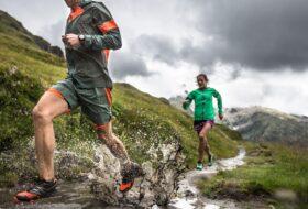 Correr en el mundo real: ajustar la rigidez de las piernas para diferentes superficies