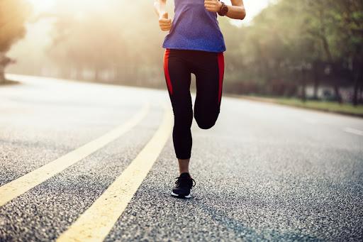 Relación entre la lesión en carrera y la alineación estática de las extremidades inferiores en corredores recreativos